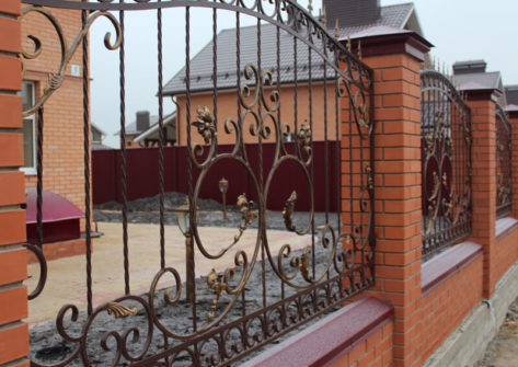 красивый забор ковка